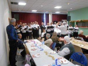 Prestation de la Chorale  lors de la Bûche de Noël 2015
